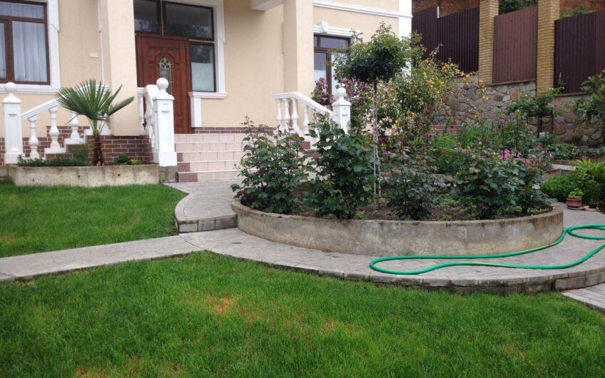 Дом в Ливадии (Розарий)